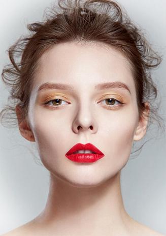 对化妆造型有浓厚兴趣的零基础学员